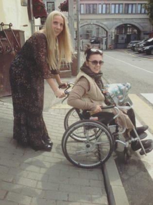 Foto-als-info-Vika-Petrova-Ksenija-Cherne